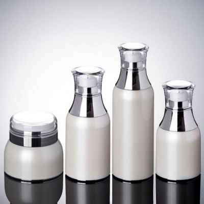 A set of airless Bottles for Skin Care Packing.